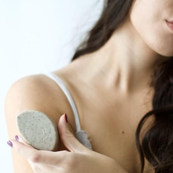 glinasi face and body soap